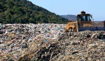 La Corse et les déchets : matraquage ,  trop- plein et fosse commune